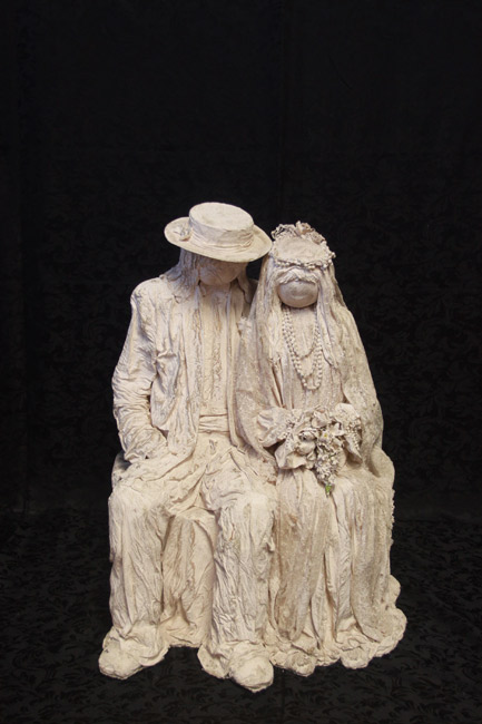 Vintage Couple<br>2 ft. 4 in. x 1 ft. 5 in.